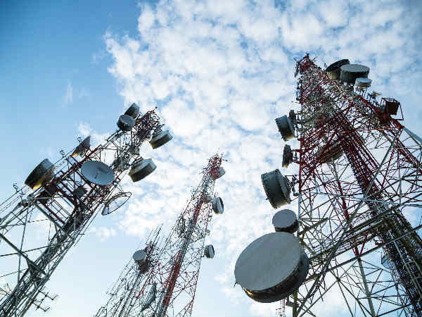 Call drops: Telcos approach DoT, TRAI for de-sealing towers