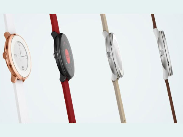 Pebble Time Round smartwatch with a circular dial, slim profile
