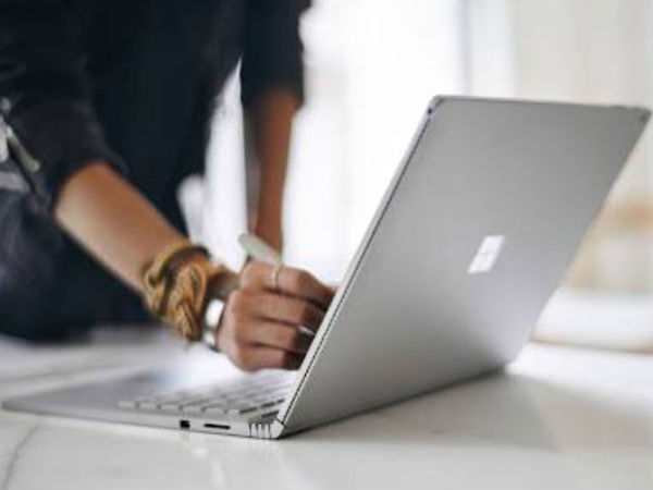 Microsoft Surface Book with 13.5 inch display and Intel Skylake proces