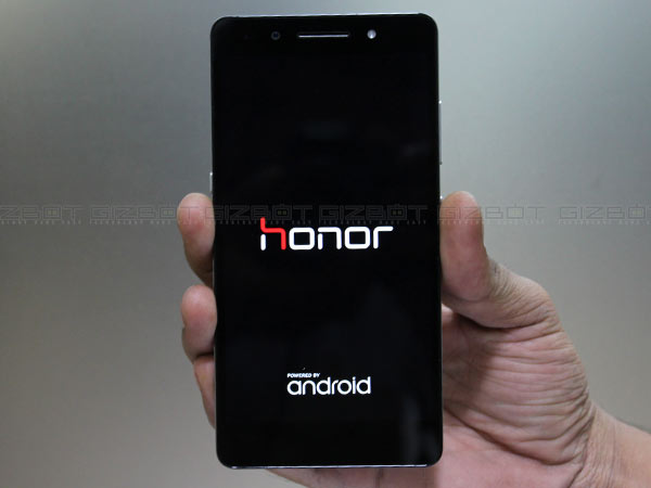 Honor launches it's flagship smartphone Honor 7 and Honor Z1 Band