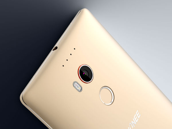 24MP rear camera with PDAF Sensor