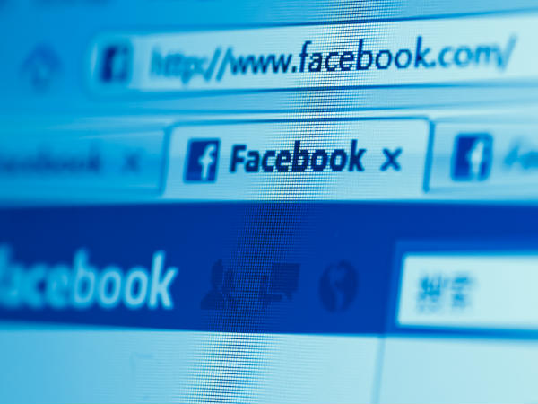 Facebook may be making you unhappy: study