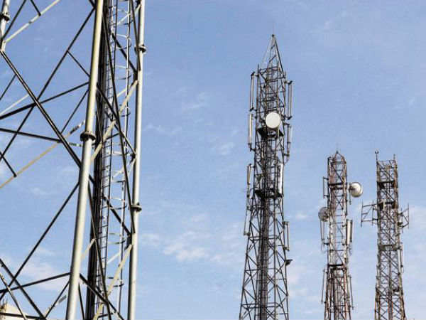 TRAI asks service providers to add towers to address call drops