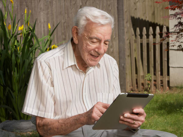 New app helps seniors to play brain games, live better
