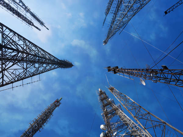 Telcos add over 2K towers in Delhi to check call drops