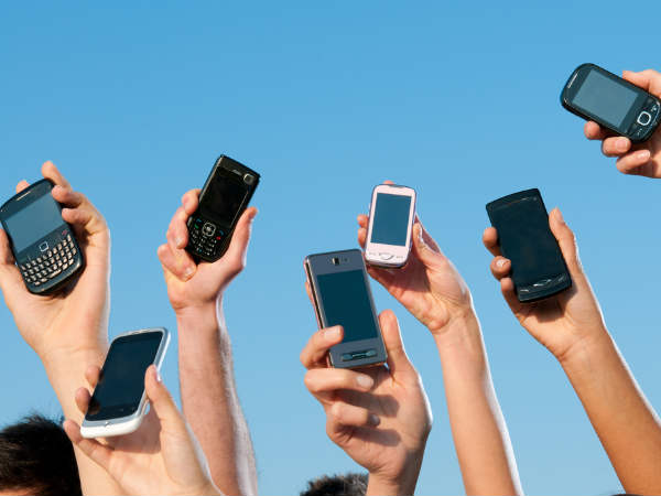 50 percent of Indian teenagers prone to high use of mobile phones