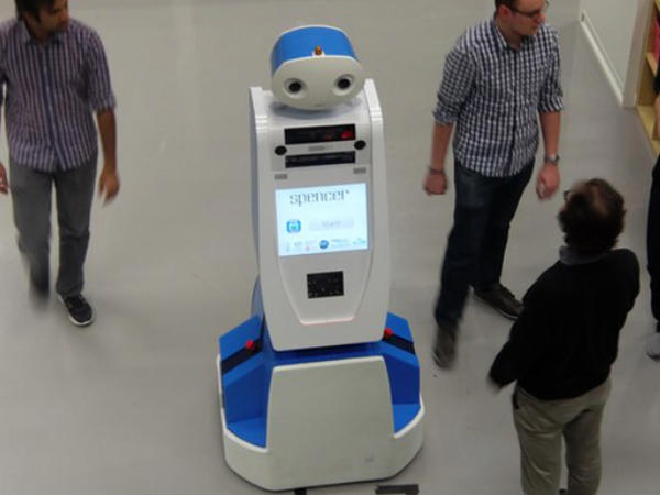 Robot to help passengers find their way at Schipol-Airport