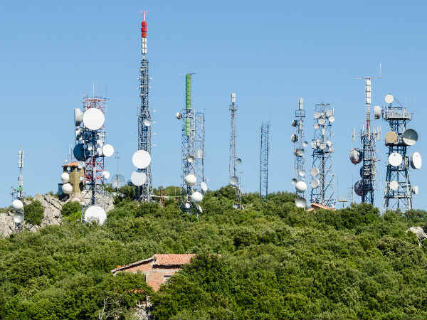 Telecom, I&B min to use broadcast airwaves for mobile services