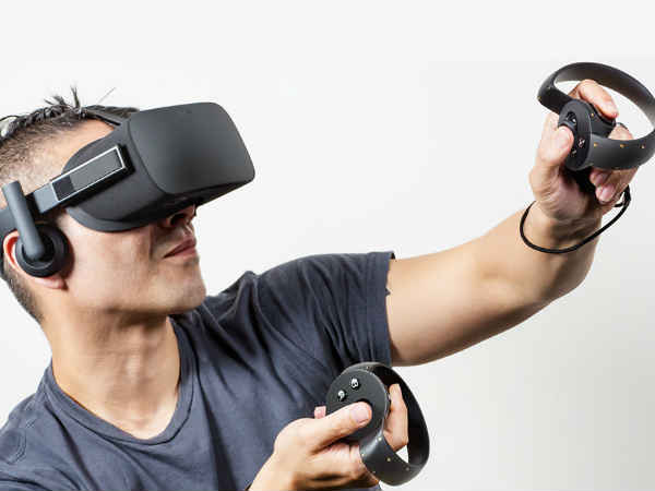 Rift VR headset with hand controllers
