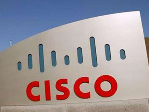 Cisco unveils networking products for web firms
