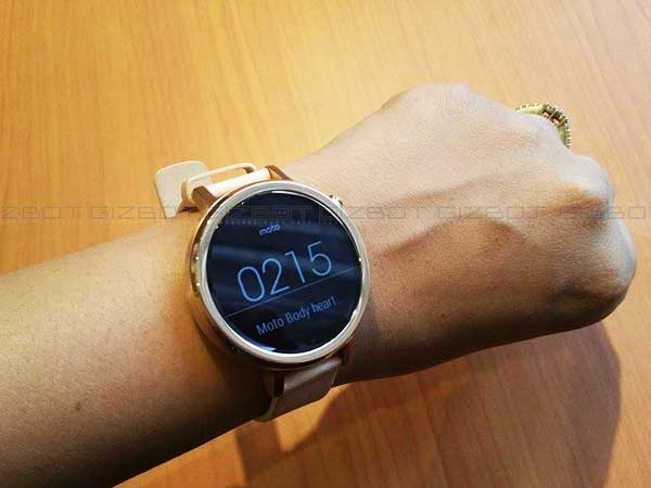 Up Close and Personal with Moto 360 2nd gen Smartwatch