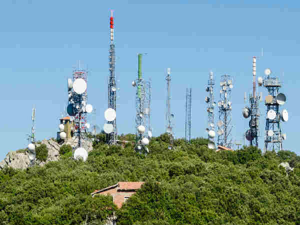 29,000 new mobile towers installed to check call drops: Prasad