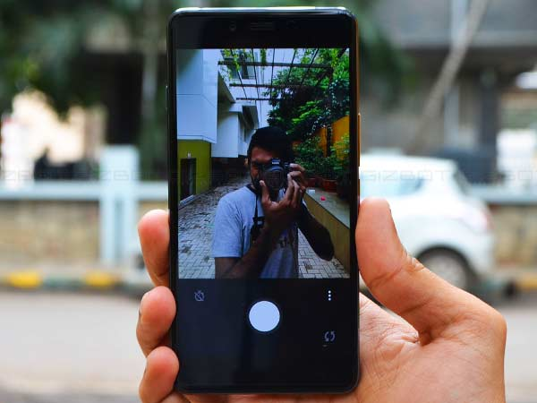 The Hits and Misses of OnePlus X Smartphone [Review & Camera Sample]