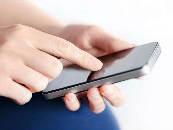 Here's how you can text on a smartphone without using you hands