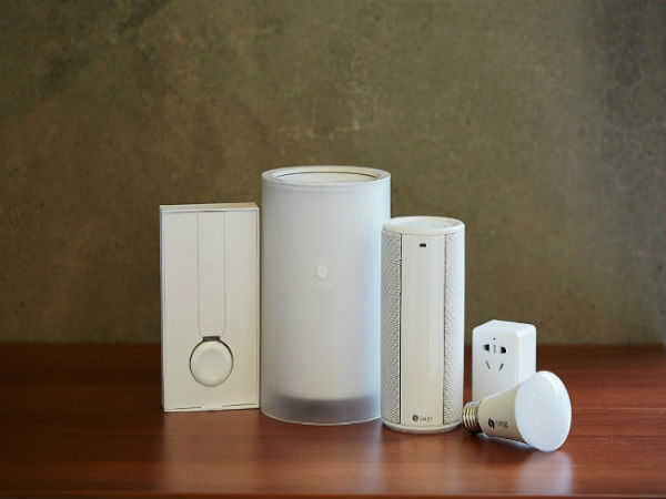 Cassia Hub Bluetooth router communicates with 22 devices at up to 300m