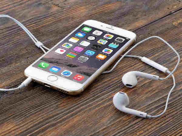 Most New Zealanders hooked to smartphones