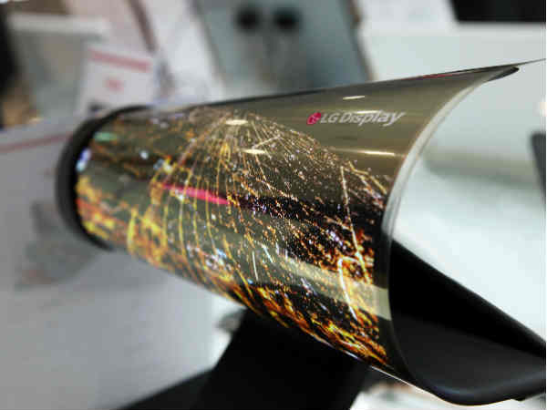 LG will display its paper-thin 18-inch rollable OLED panel at CES 2016