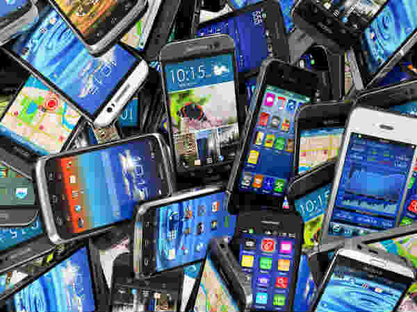 India's mobile phone subscriber base crosses 1 billion mark