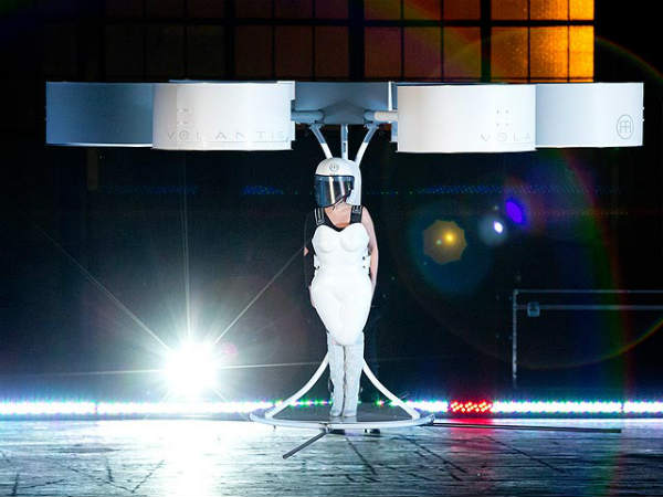 Lady Gaga's Ultimate Affair With Tech Gadgets: 10 Proves!