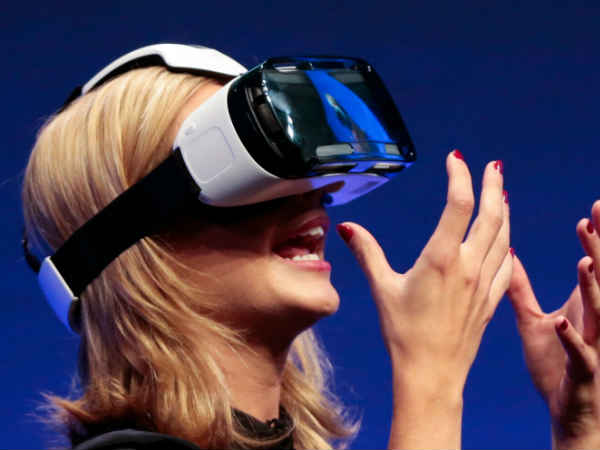 Virtual Reality in Communication