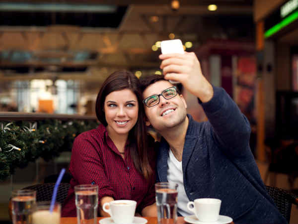8 Ways Smartphones can Strengthen Relationships! (instead of ruining i