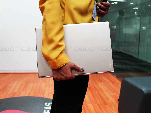 A First Look at Lenovo Yoga 900: A Stylish, Powerful And Flexible