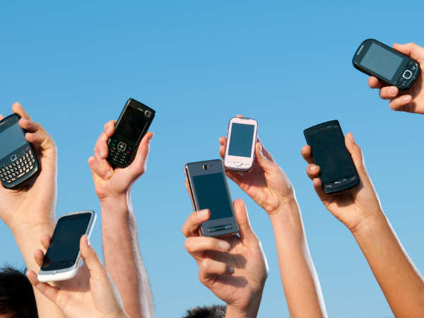 India smartphone shipments up 23 percent to 100 million units in 2015
