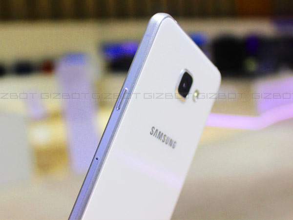 GizBot Takes a First Look at Samsung Galaxy A5 and Galaxy A7!