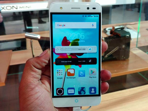 The Best of MWC 2016: 10 of the Latest and Greatest Smartphones!