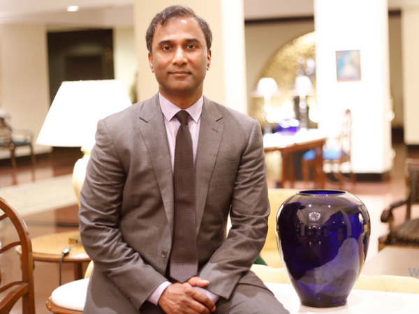"V.A Shiva Ayyadurai: A 14-Year Old Boy Who Invented ""E-Mail"""