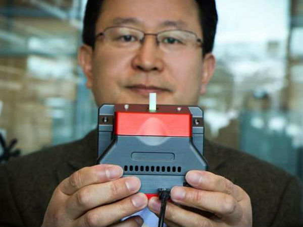 Handheld scanner to sniff out explosives soon