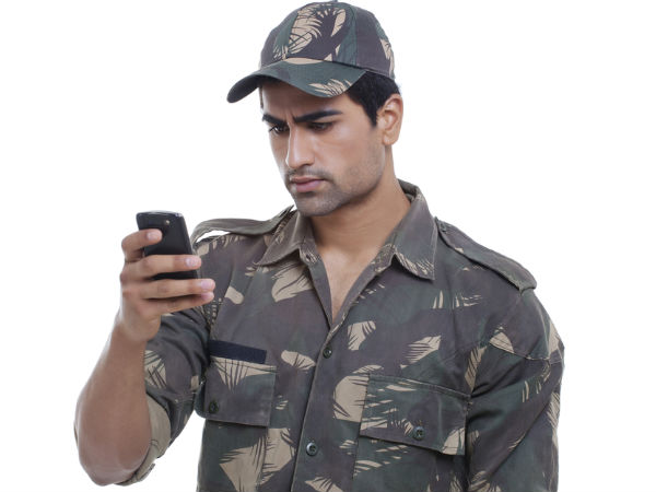 Indian Soldiers Will Soon Have Their Hands-On Secure Mobile Phones
