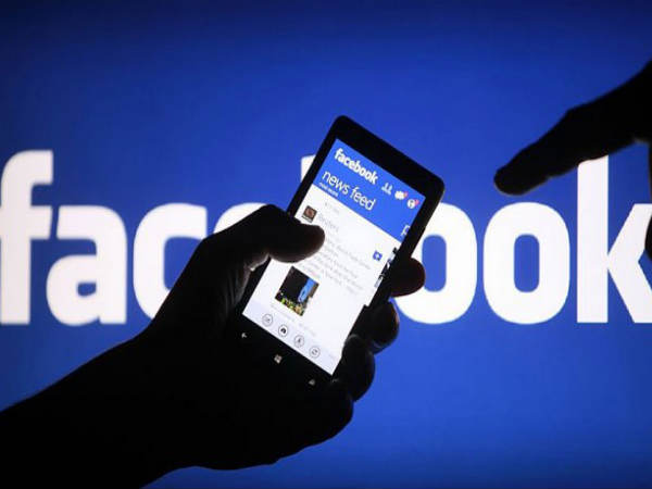 Earn money as you post on Facebook soon: Report