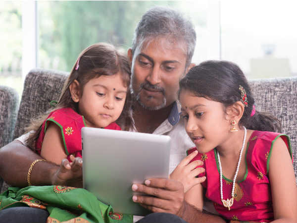 Tablets loaded with literacy apps can help kids read