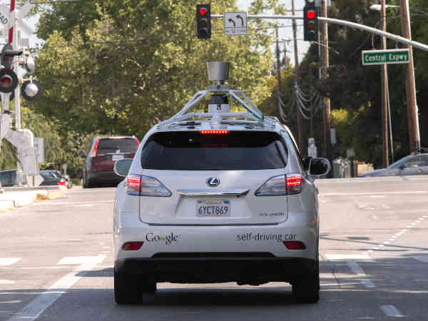 Google, Fiat Chrysler to make 100 self-driving cars: Report