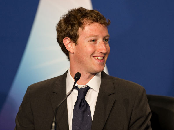 Trending Topics row: Zuckerberg meets leading conservatives