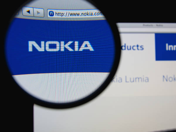 Nokia says will re-enter mobile, tablet markets
