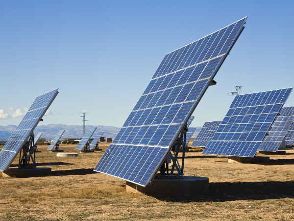 Apple top executive visits 'solar mamas' in Rajasthan