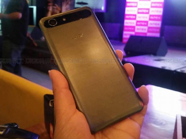 7 Things to Know About Intex Aqua View Launched at Rs 8,999