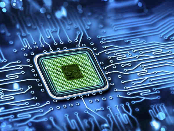Scientists make world's first 1,000-processor microchip
