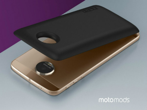 5 Ways How Moto Mods Let You Customize the Moto Z Phone