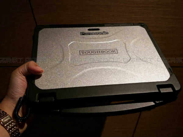 Panasonic Toughbook CF-20: 8 Features of the Overpriced 2-in-1