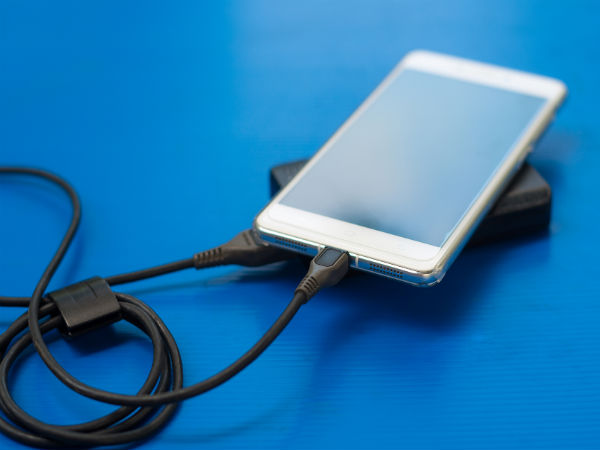 Don't believe in these 5 myths related to your smartphone's battery