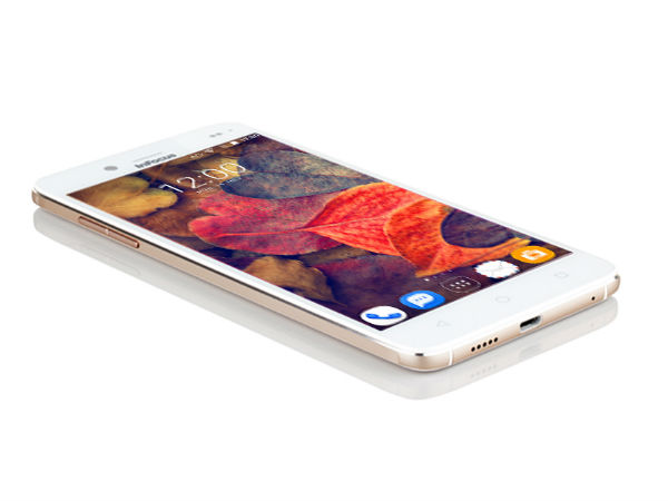 Click Selfies with the 13 MP Camera on Infocus M535+ Smartphone