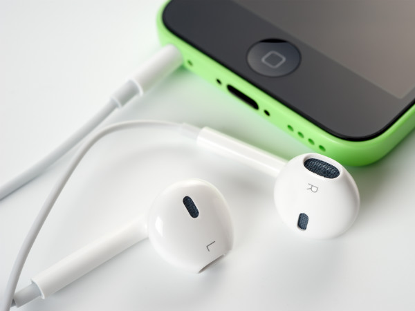 Apple AirPods under work, to give users freedom from wires: Report