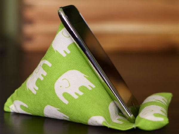 Pillow iPhone Stand