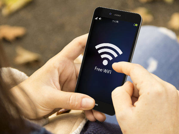 Free high-speed Wi-Fi for commuters at 8 railway stations