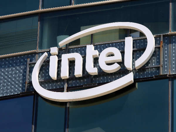 Intel makes a renewed push for VR, IoT