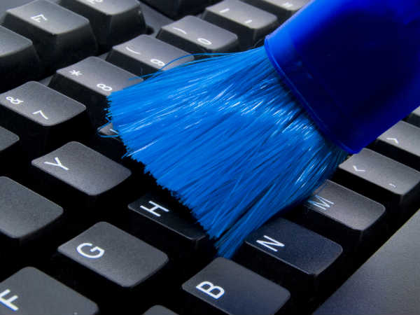 How to Clean Your Laptop's Keyboard: 6 Simple Tricks