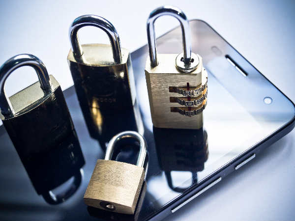 Teenagers in India at bigger smartphone security risk: Study